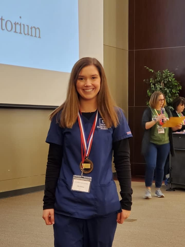 Students win medals at Health Sciences competition.